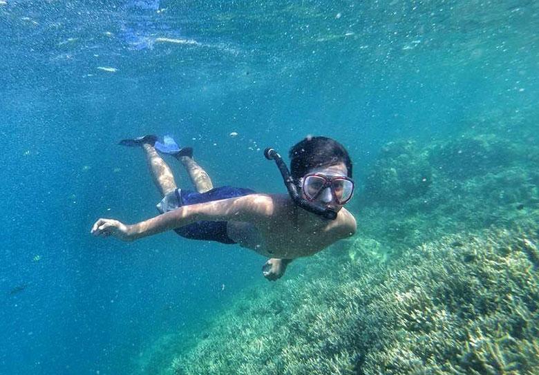 snorkeling underwater pulau harapan