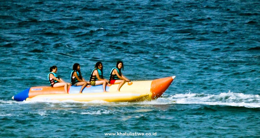 bonus banana boat untuk semua paket wisata pulau harapan