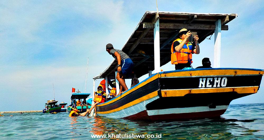perahu jelajah pulau dan bahari di Pulau Tidung